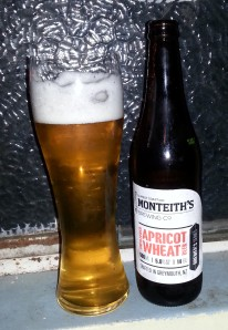 Monteith's Apricot Wheat