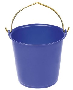 Feeding-plastic-blue-bucket-17l